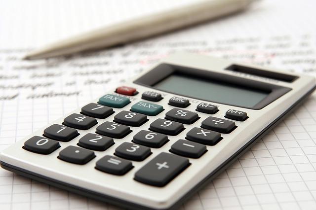 accountant-1238598_640.jpg